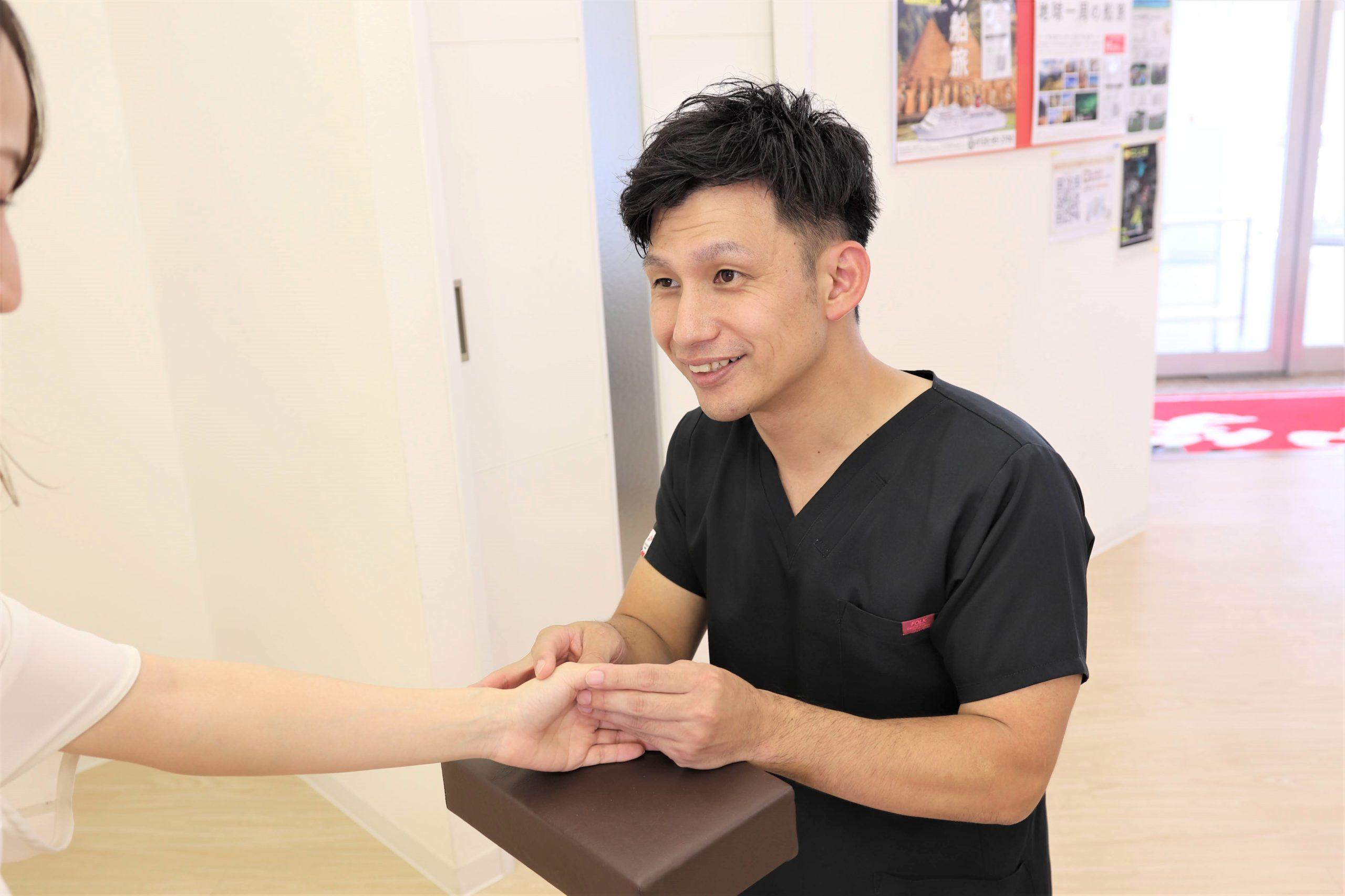 むさし鍼灸整骨院のばね指の施術写真